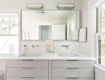 Master Bath: modern Bathroom by Clean Design