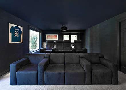 Media Room: modern Media room by Clean Design