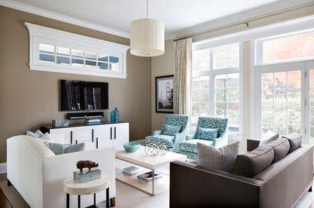 Living Room: modern Living room by Clean Design