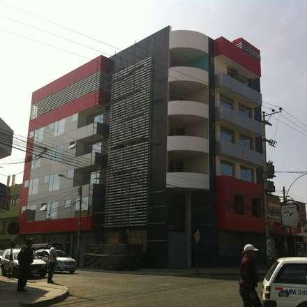 Hotel Plaza Sur Tacna: Hoteles de estilo  por diseño integral y construcción sac