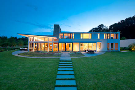 Catch & Release: modern Houses by Cunningham   Quill Architects