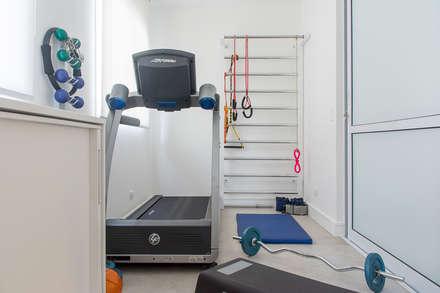 modern Gym by Renata Romeiro Interiores