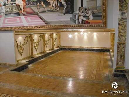 Sala Cinema in una Villa Privata in Russia, Mosca: Sala multimediale in stile  di Baldantoni Group
