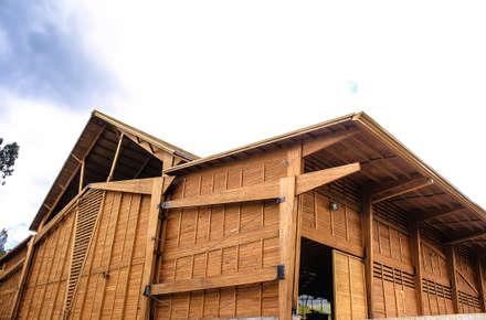 Refugio Industrial TdE: Bodegas de estilo industrial por Taller de Ensamble SAS