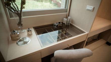 ห้องแต่งตัว by 璞碩室內裝修設計工程有限公司