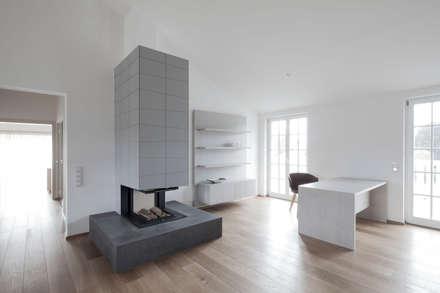 Moderne arbeitszimmer ideen inspiration homify for Innenarchitekt wien wohnung