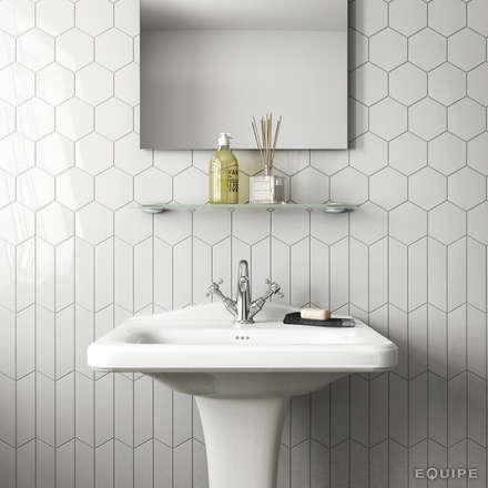 Chevron Wall White 18,6x5,2: Baños de estilo rústico de Equipe Ceramicas