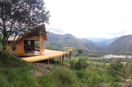 Suite de madera TdE: Casas de estilo moderno por Taller de Ensamble SAS
