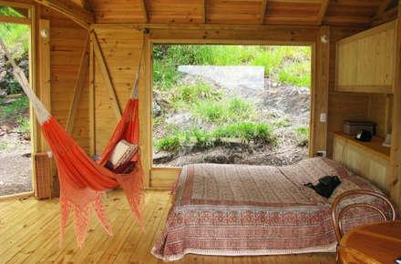 Suite de madera TdE: Habitaciones de estilo moderno por Taller de Ensamble SAS