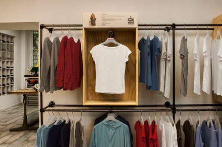 غرفة الملابس تنفيذ Adeline Labord Interiors