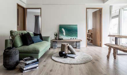 rustic Living room by 潤澤明亮設計事務所