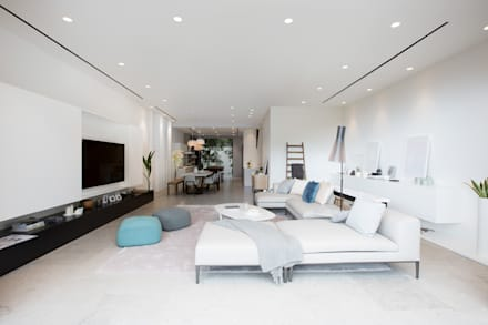It's all about communication: modern Living room by Sensearchitects Limited