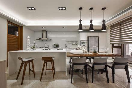 modern Kitchen by 匯羽設計 / Hui-yu Interior design