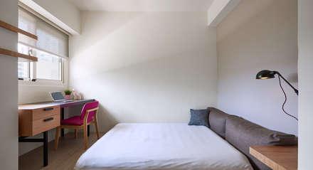 台中米蘭:  臥室 by 思維空間設計