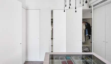 scandinavian Dressing room by 思維空間設計