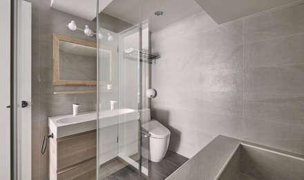 台中米蘭:  浴室 by 思維空間設計
