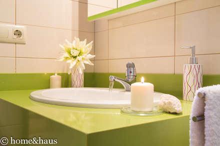 Detalle emocional en baño DESPUÉS: Baños de estilo rural de Home & Haus   Home Staging & Fotografía