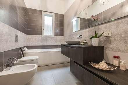 bagno con piastrelle rettangolari bagno in stile in stile moderno di facile ristrutturare