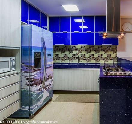Apartamento no cond Barra Bali,  Barra de São Miguel Al: Cozinhas clássicas por Cris Nunes Arquiteta