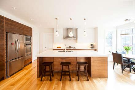 Edwardian Renovation: modern Kitchen by Solares Architecture