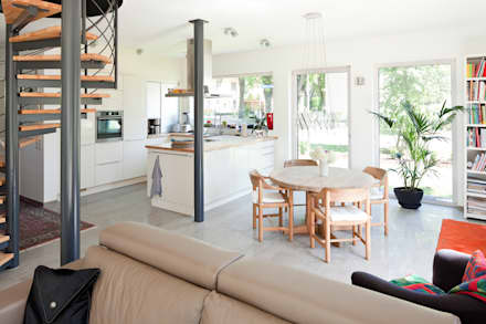 Haus Dalggow-Döberitz: klassische Küche von Müllers Büro