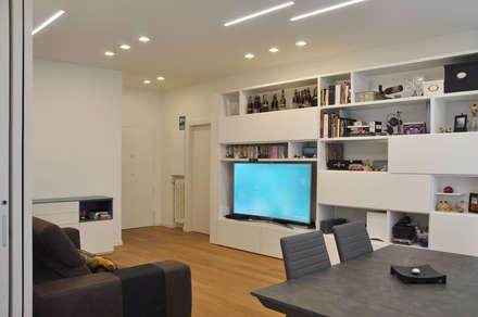 appartamento a roma: Soggiorno in stile in stile Scandinavo di evels & papitto - b4architects