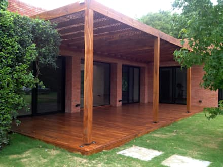 Pérgolas en Madera. Lapacho y Curupay: Jardines de estilo moderno por VIER ABINET S.A. Pisos & Decks