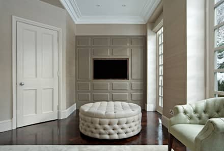 NW11: classic Media room by The Wood Works
