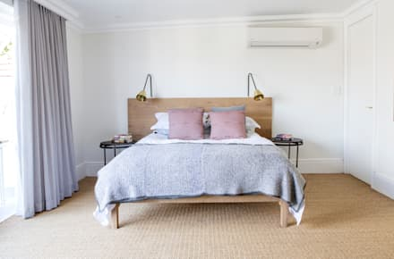 House Oranjezicht: scandinavian Bedroom by ATTIK Design
