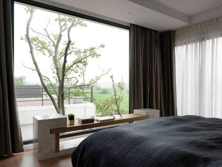 Four season house:  臥室 by 夏沐森山設計整合