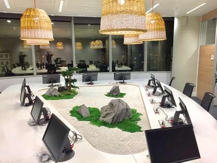 Mesa Zen: Edificios de oficinas de estilo  de Landscapers