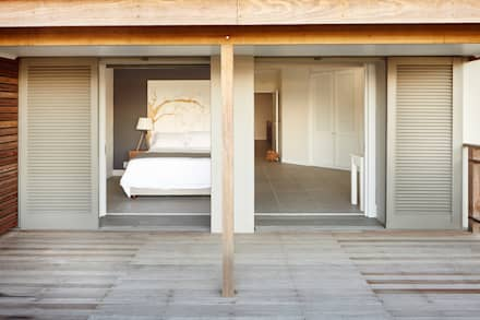 Bedroom 2: eclectic Bedroom by JSD Interiors