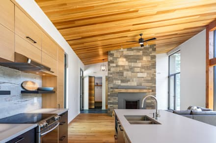 Lac St. Sixte Summer Residence: modern Kitchen by Flynn Architect