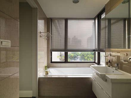 上城魅力,灰調美式:  浴室 by 陶璽空間設計