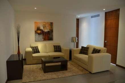 TORRE VISUM: Salas de estilo moderno por TREVINO.CHABRAND | Architectural Studio