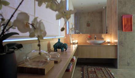 Alpen Gold: Ванные комнаты в . Автор – FABER GROUP