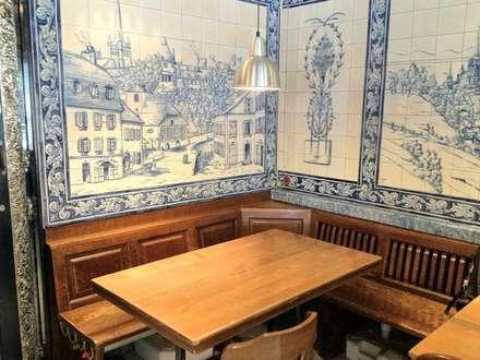 Restaurant - Lausanne 9 (Le P'tit Central): Paredes  por Sant'Anna