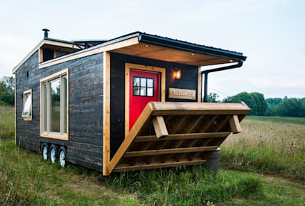 Greenmoxie Tiny House: minimalistic Houses by Greenmoxie Magazine