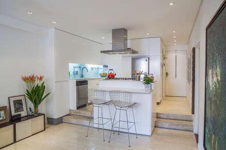 : Salas / recibidores de estilo moderno por CENTRAL ARQUITECTURA