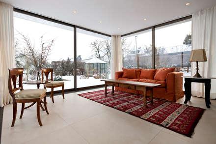 Wohnzimmer einrichtung design inspiration und bilder homify - Einrichtung wintergarten bilder ...