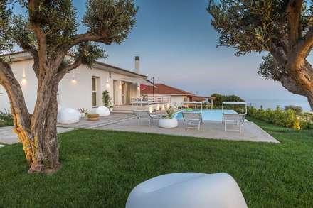 Villa GD: Giardino in stile in stile Moderno di DFG Architetti