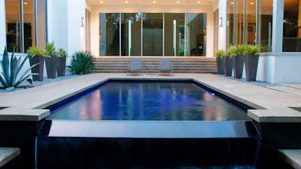 Modern Landscape Design: minimalistic Pool by Matthew Murrey Design