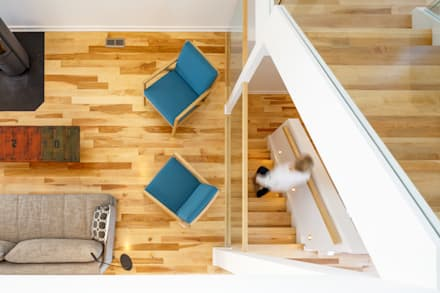 Wavell: modern Corridor, hallway & stairs by Linebox Studio