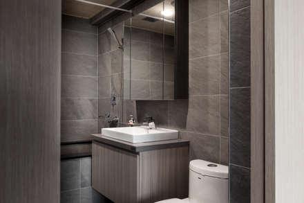 Baños de estilo escandinavo por 思維空間設計