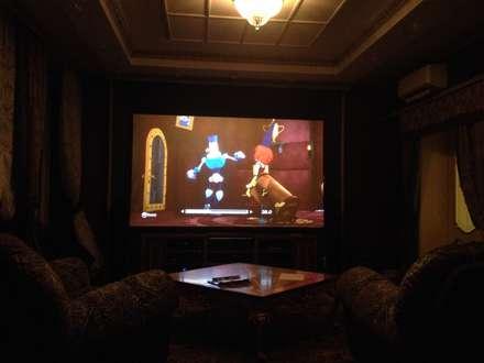 Персональный кинозал: Медиа комнаты в . Автор – Салон домашних кинотеатров ТЕХНОКРАТ