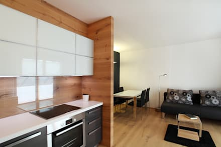 CUCINA: Cucina in stile in stile Moderno di gianluca valorz architetto