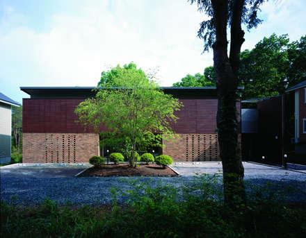 軽井沢のVILLA | 別荘建築: Mアーキテクツ|高級邸宅 豪邸 注文住宅 別荘建築 LUXURY HOUSES | M-architectsが手掛けた家です。