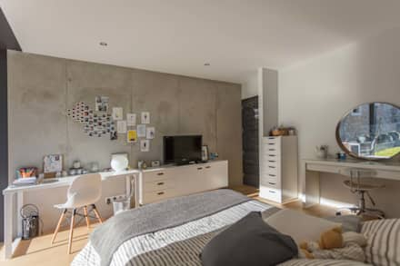 maison onet l eglise: Chambre de style de style Industriel par Hugues TOURNIER Architecte