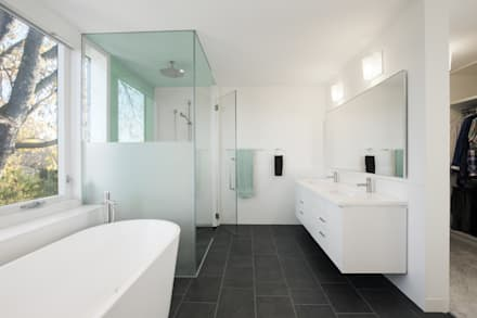 The Hambly House: minimalistic Bathroom by dpai architecture inc