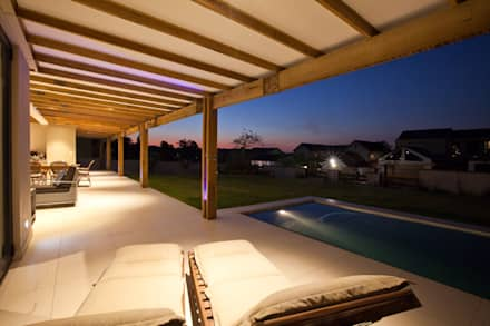 RESIDENCE 1111:  Terrace by Architects Of Justice